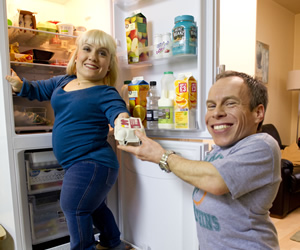Life's Too Short. Image shows from L to R: Amy (Kiruna Stamell), Warwick (Warwick Davis). Copyright: BBC.