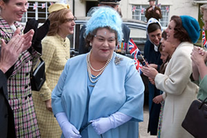 Little Crackers. HM The Queen Mother (Dawn French).