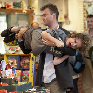 Outnumbered. Image shows from L to R: Pete (Hugh Dennis), Ben (Daniel Roche). Copyright: Hat Trick Productions.