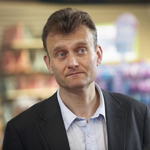 Outnumbered. Pete (Hugh Dennis). Copyright: Hat Trick Productions.