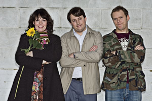 Peep Show. Image shows from L to R: Sophie Chapman (Olivia Colman), Jeremy Osborne (Robert Webb), Mark Corrigan (David Mitchell). Image credit: Objective Productions.