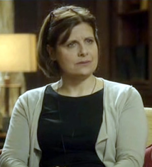 Psychobitches. Therapist (Rebecca Front). Copyright: Tiger Aspect Productions.