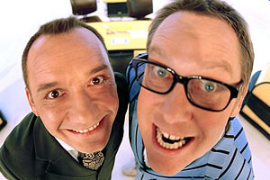 Shooting Stars. Image shows from L to R: Bob Mortimer, Vic Reeves. Copyright: Channel X / Pett Productions.