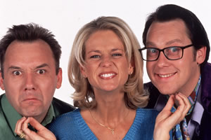 Shooting Stars. Image shows from L to R: Bob Mortimer, Ulrika Jonsson, Vic Reeves. Copyright: Channel X / Pett Productions.