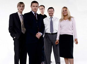 The Office. Image shows from L to R: Gareth Keenan (Mackenzie Crook), Tim Canterbury (Martin Freeman), Stephen Merchant, David Brent (Ricky Gervais), Dawn Tinsley (Lucy Davis). Copyright: BBC.