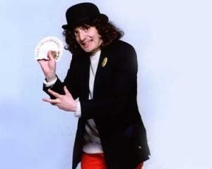 The Pall Bearer's Revue. Jerry Sadowitz. Image credit: British Broadcasting Corporation.