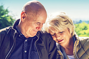23 Walks. Image shows from L to R: Dave (Dave Johns), Fern (Alison Steadman). Copyright: Met Film.