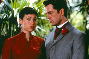 An Ideal Husband. Image shows from L to R: Miss Mabel Charlton (Minnie Driver), Lord Arthur Goring (Rupert Everett). Copyright: Miramax Films.