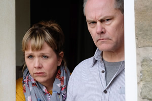 Bad Move. Image shows from L to R: Nicky (Kerry Godliman), Steve (Jack Dee). Copyright: Open Mike Productions.