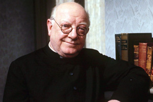 Bless Me, Father. Father Charles Clement Duddleswell (Arthur Lowe). Copyright: London Weekend Television.