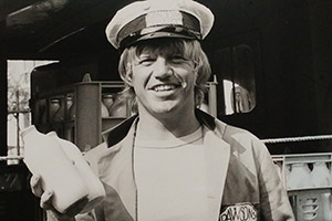 Bottle Boys. Dave Deacon (Robin Askwith). Copyright: London Weekend Television.