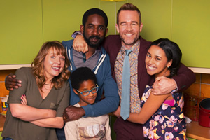 Carters Get Rich. Image shows from L to R: Liz Carter (Kerry Godliman), Harry Carter (Rio Chambers), Tony Carter (Rhashan Stone), Trent Zebrisky (James Van Der Beek), Ellie Carter (Rhianna Merralls).
