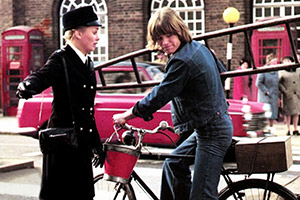 Confessions Of A Window Cleaner. Image shows from L to R: Elizabeth Radlett (Linda Hayden), Timothy Lea (Robin Askwith). Copyright: Columbia Pictures.