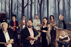 Crackanory. Image shows from L to R: Simon Callow, Ruby Wax, Sue Perkins, David Mitchell, Ben Miller, Katherine Parkinson, Meera Syal, Rik Mayall, Warwick Davis. Copyright: Tiger Aspect Productions.