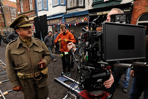 Dad's Army. Captain George Mainwaring (Toby Jones). Copyright: Universal Pictures / DJ Films.