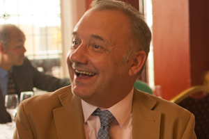 Drifters. Frank (Bob Mortimer). Copyright: Zodiak Media Company.