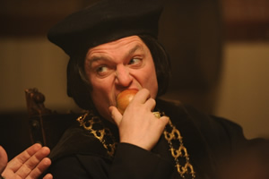 Drunk History. Thomas Cromwell (Mathew Horne). Copyright: Tiger Aspect Productions.