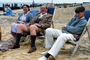 East Of Ipswich. Image shows from L to R: Mrs. Burrill (Pat Heywood), Mr. Burrill (John Nettleton), Richard Burrill (Edward Rawle-Hicks). Copyright: BBC.