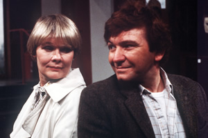 A Fine Romance. Image shows from L to R: Laura Dalton (Judi Dench), Mike Selway (Michael Williams). Copyright: London Weekend Television.