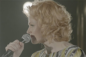 Funny Cow. Funny Cow (Maxine Peake). Copyright: Moviehouse Entertainment.