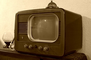 Generic picture of an old TV set.
