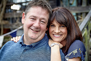 Home From Home. Image shows from L to R: Neil Hackett (Johnny Vegas), Fiona Hackett (Niky Wardley). Copyright: BBC.