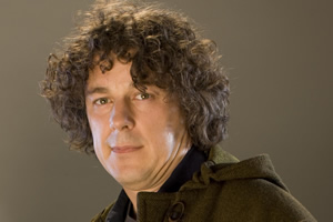 Jonathan Creek. Jonathan Creek (Alan Davies). Copyright: BBC.