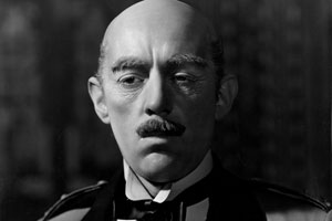 Kind Hearts And Coronets. The General D'Ascoyne (Alec Guinness). Copyright: STUDIOCANAL / Ealing Studios.