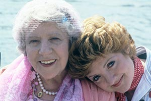 Maggie And Her. Image shows from L to R: Mrs. Perry (Irene Handl), Maggie (Julia McKenzie). Copyright: London Weekend Television.