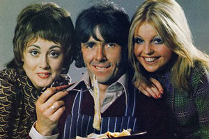 Man About The House. Image shows from L to R: Chrissy Plummer (Paula Wilcox), Robin Tripp (Richard O'Sullivan), Jo (Sally Thomsett). Copyright: Thames Television.