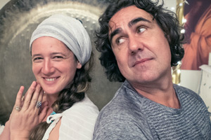 Micky Flanagan Thinking Aloud. Image shows from L to R: Guru Jagat, Micky Flanagan. Copyright: 7 Wonder.