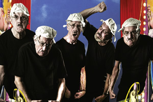 Monty Python Live (Mostly). Image shows from L to R: John Cleese, Terry Jones, Michael Palin, Terry Gilliam, Eric Idle. Copyright: Phil McIntyre Entertainment / Hipgnosis.