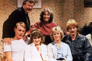 No Place Like Home. Image shows from L to R: Nigel Crabtree (Martin Clunes), Arthur Crabtree (William Gaunt), Tracy Crabtree (Dee Sadler), Beryl Crabtree (Patricia Garwood), Lorraine Codd (Beverly Adams), Paul Crabtree (Stephen Watson). Copyright: BBC.