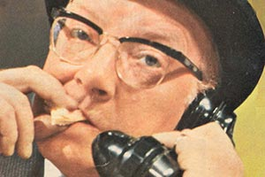 Pardon The Expression. Leonard Swindley (Arthur Lowe). Copyright: Granada Television.