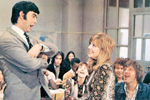 Please Sir!. Image shows from L to R: Bernard Hedges (John Alderton), Maureen Bullock (Liz Gebhardt), Sharon Eversleigh (Carol Hawkins), Dennis Dunstable (Peter Denyer), Eric Duffy (Peter Cleall). Copyright: Rank Organisation / ITV Studios.