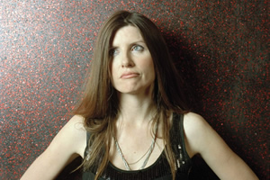 Pulling. Donna (Sharon Horgan). Copyright: Silver River.