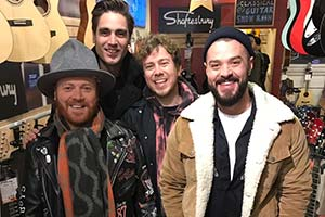 Shopping With Keith Lemon. Image shows from L to R: Leigh Francis, Charlie Simpson, James Bourne, Matt Willis. Copyright: Talkback.