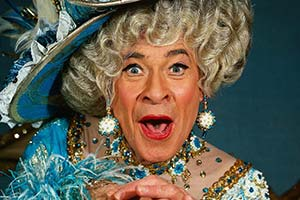 Comedy National Treasures: Stanley Baxter. Stanley Baxter. Copyright: Mirrorpix / Alamy.