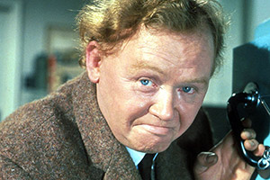 The Cracksman. Ernest Wright (Charlie Drake). Copyright: Associated British Picture Corporation.