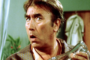 The Howerd Confessions. Frankie (Frankie Howerd). Copyright: Thames Television.