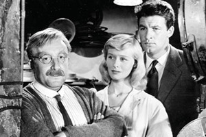 The Smallest Show On Earth. Image shows from L to R: Leslie Quill (Peter Sellers), Jean Spenser (Virginia McKenna), Matt Spenser (Bill Travers).