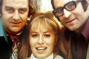 Thick As Thieves. Image shows from L to R: Stan (John Thaw), Annie (Pat Ashton), George Dobbs (Bob Hoskins). Copyright: London Weekend Television.