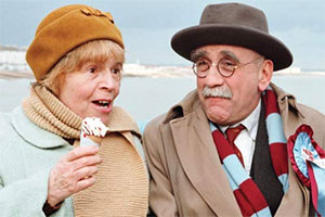 Till Death..... Image shows from L to R: Min (Patricia Hayes), Alf Garnett (Warren Mitchell). Copyright: Associated Television.