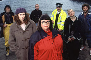 Wild West. Image shows from L to R: Jake Trethowan (David Bradley), Angela Phillips (Catherine Tate), Jeff (Sean Foley), Mary Trewednack (Dawn French), PC Alan (Stewart Wright), Holly (Anne-Marie Duff), Harry (Richard Mylan). Copyright: BBC.