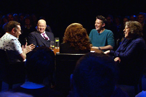 Alan Davies: As Yet Untitled. Image shows from L to R: John Thomson, Matt Lucas, Sarah Kendall, Stuart Goldsmith, Alan Davies. Copyright: Phil McIntyre Entertainment.