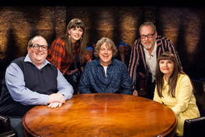 Alan Davies: As Yet Untitled. Image shows from L to R: Justin Moorhouse, Aisling Bea, Alan Davies, Vic Reeves, Jo Enright. Copyright: Phil McIntyre Entertainment.