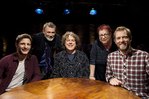 Alan Davies: As Yet Untitled. Image shows from L to R: Chris Martin, Tommy Tiernan, Alan Davies, Jo Brand, Alun Cochrane. Copyright: Phil McIntyre Entertainment.