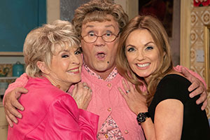 All Round To Mrs. Brown's. Image shows from L to R: Gloria Hunniford, Mrs Brown (Brendan O'Carroll), Geri Halliwell.