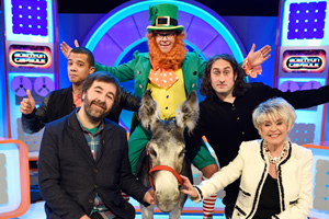 Harry Hill's Alien Fun Capsule. Image shows from L to R: Raleigh Ritchie, David O'Doherty, Harry Hill, Ross Noble, Gloria Hunniford. Copyright: Nit TV.