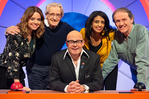 Harry Hill's Alien Fun Capsule. Image shows from L to R: Georgia Taylor, William Roache, Harry Hill, Konnie Huq, Kevin Whately. Copyright: Nit TV.